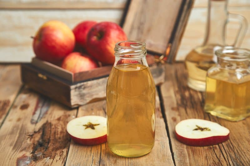 Apple Cider Vinegar and ginger can combat inflammation in the body and aid in weight loss.