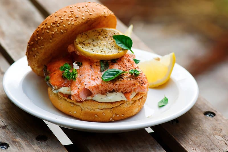 Quick Healthy Recipes: Salmon Burgers