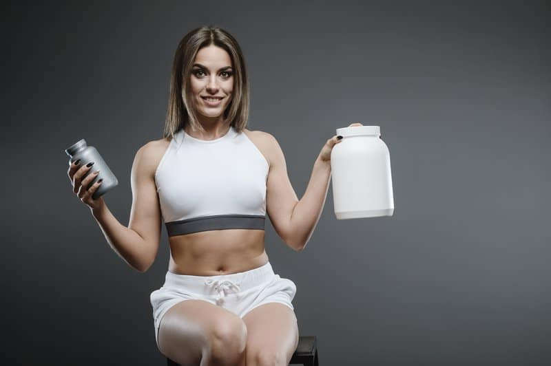 Protein powders are great muscle building supplements for women.