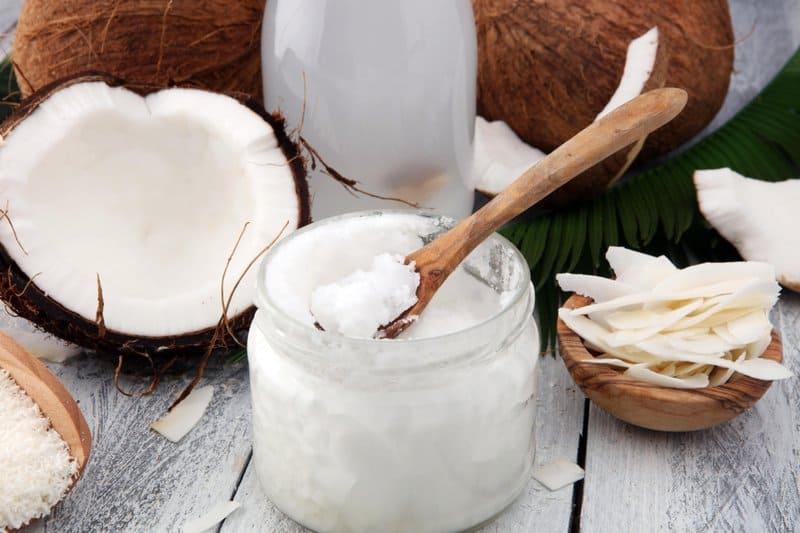 Coconut oil can improve vaginal health